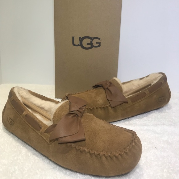 27c7ac63f1a UGG Dakota Leather Bow Chestnut Slippers 1020031 NWT